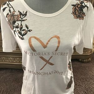 VICTORIA's SECRET Shanghai 2017 white t-shirt sz M